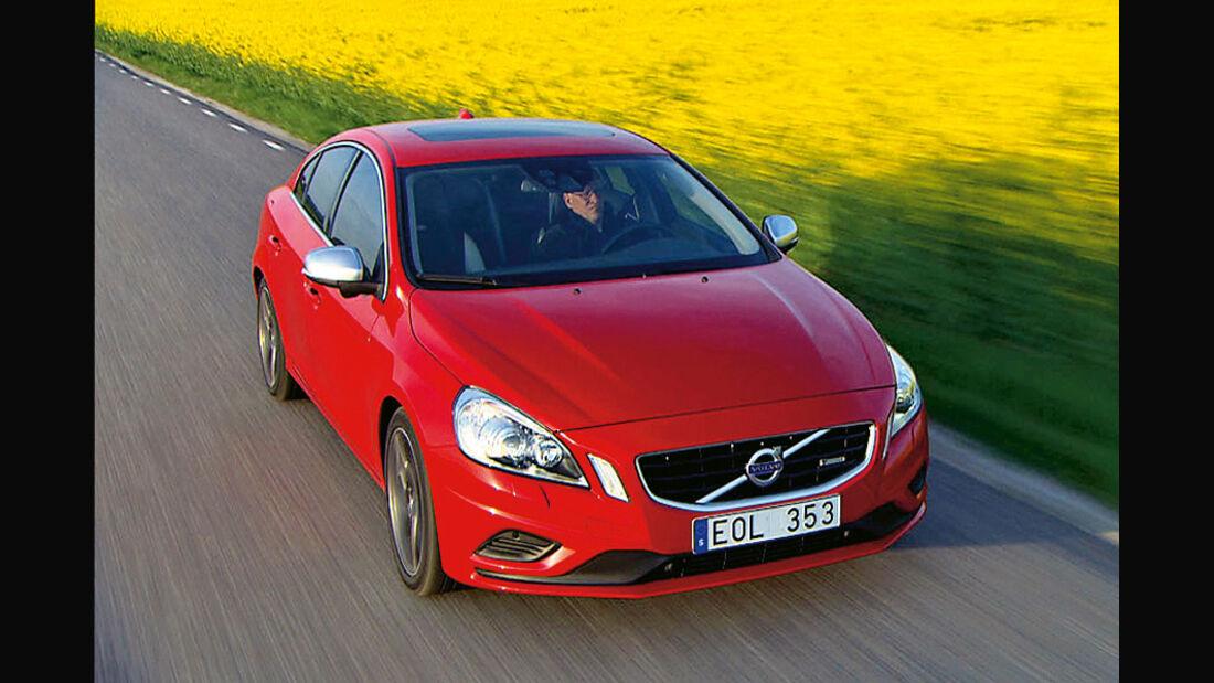 Serienfahrzeuge Limousinen bis 50 000 € - Volvo S60 T6 AWD