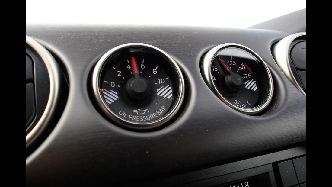 Shelby GT350 Mustang, Anzeigeinstrumente