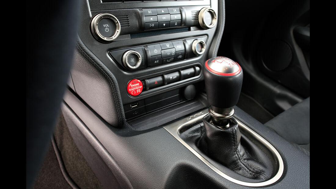 Shelby GT350 Mustang, Schalthebel