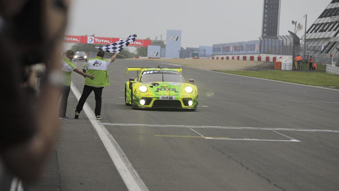Sieger Manthey Porsche - 24h Nürbrugring - 6. Juni 2021