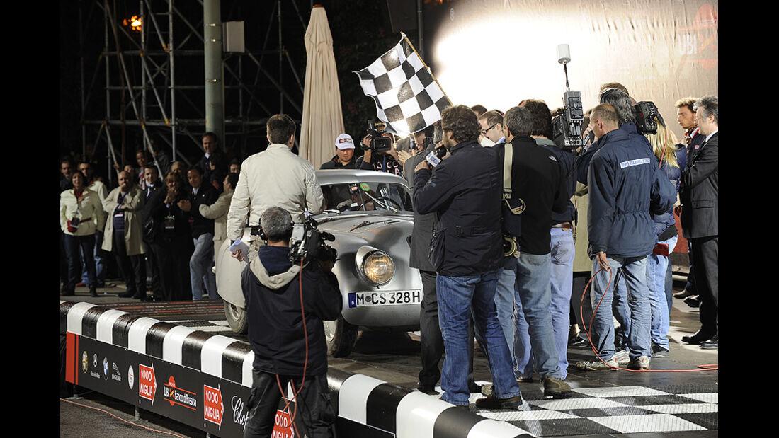 Sieger-Team Giuliano Cané und Lucia Galliani bei der Siegerehrung