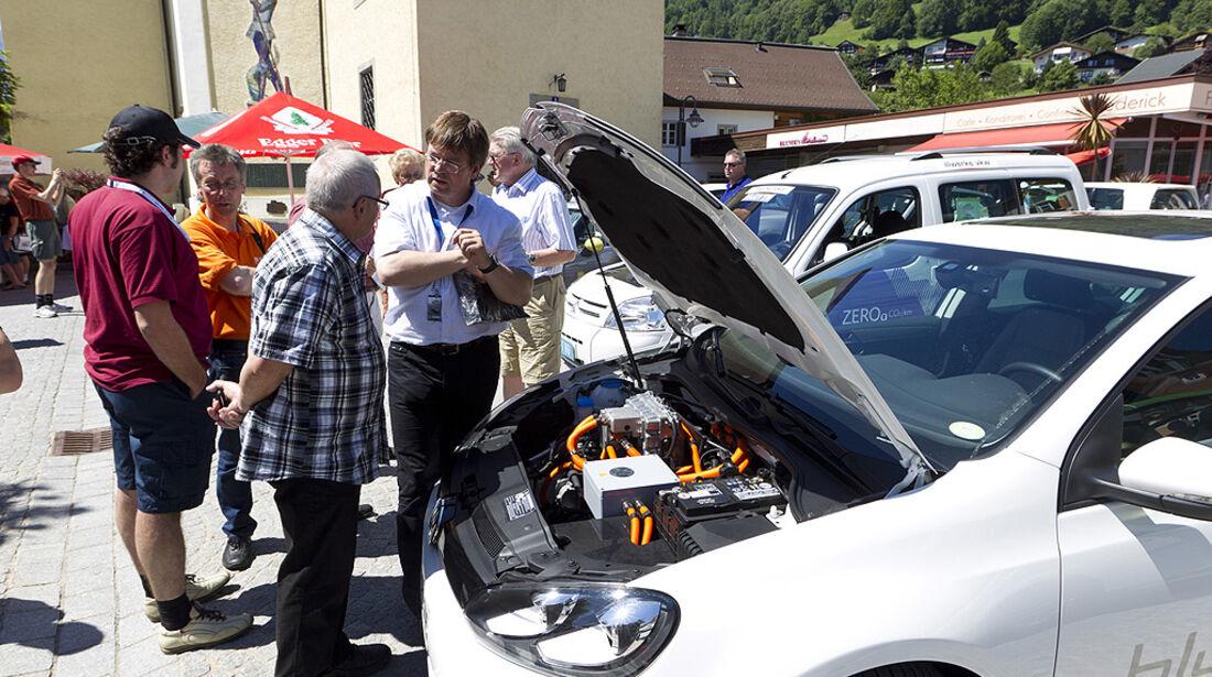Silvretta E-Auto 2010, Elektroauto, E-Auto, VW E-Golf, Zuschauer