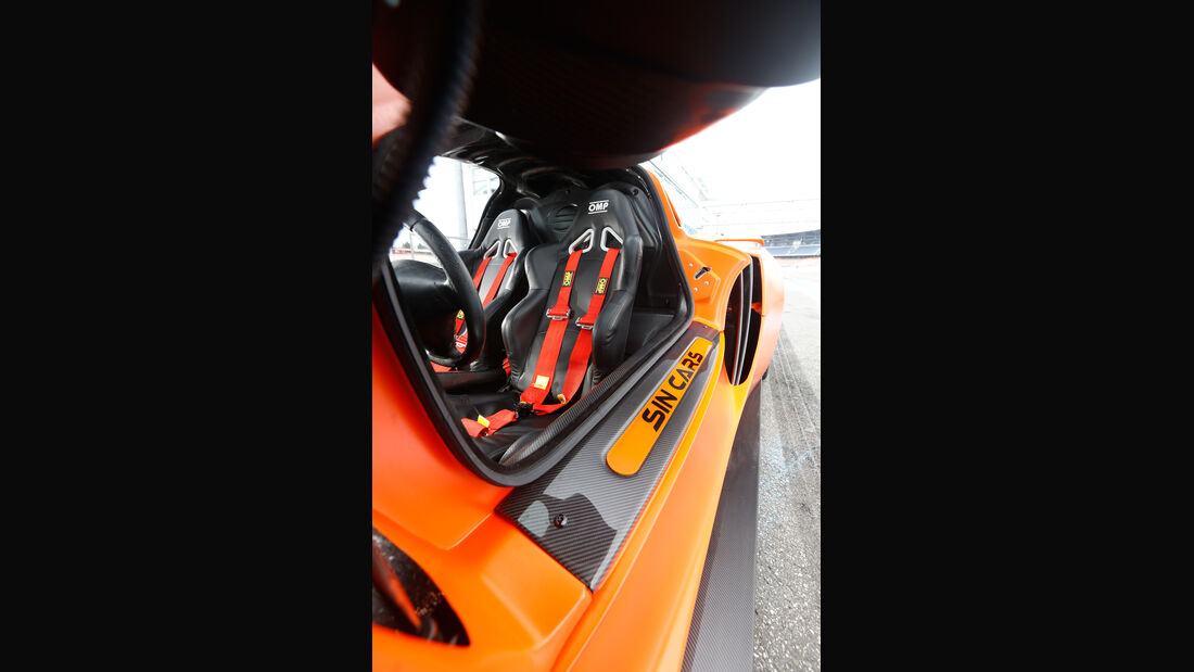Sin Cars Sin R1, Fahrersitz
