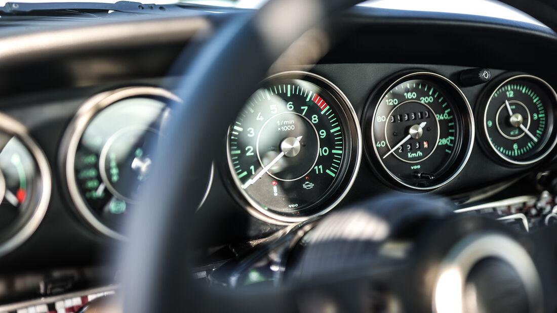 Singer Porsche 911, Interieur