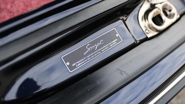 Singer Porsche 911, Plakette