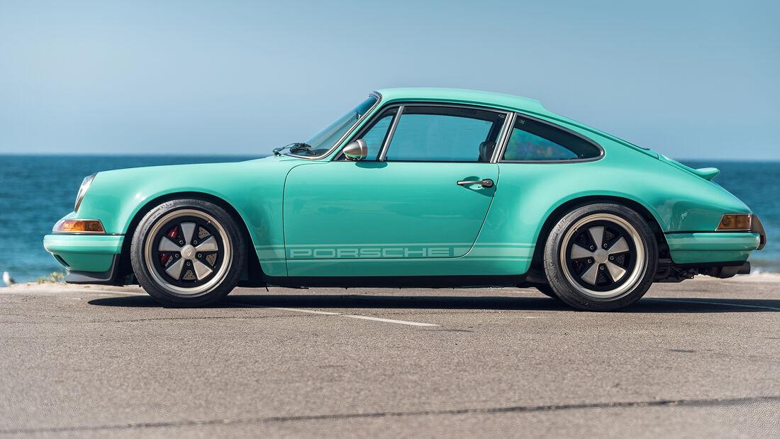 Singer Porsche Reimagine Malibu Auktion