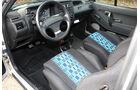 Sitze, Armaturenbrett und Innenraum des VW Polo G40
