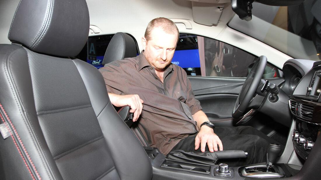 Sitzprobe Mazda 6 Kombi Paris 2012 Stier