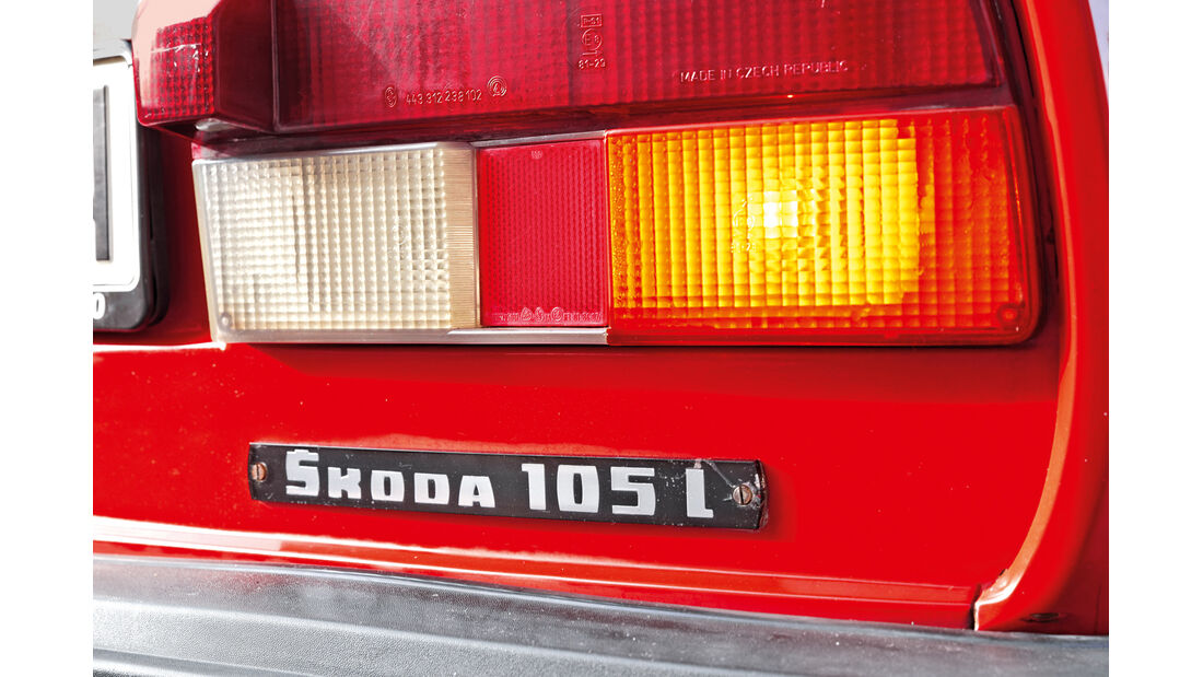 Skoda 105 L, Typenbezeichnung, Heckleuchte