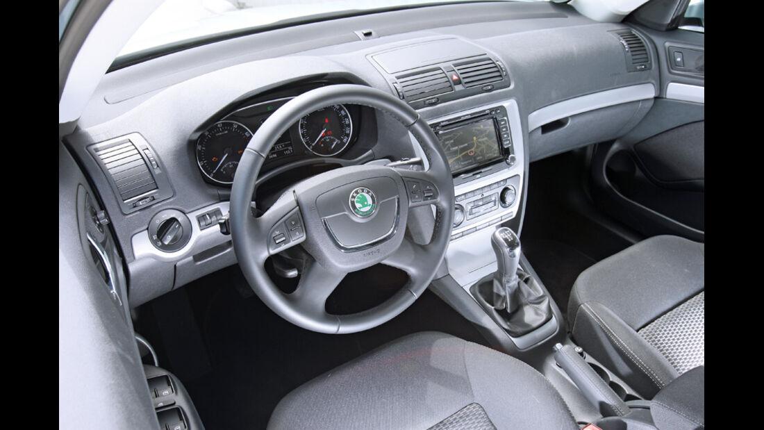 Skoda Octavia 1.6 LPG, Cockpit