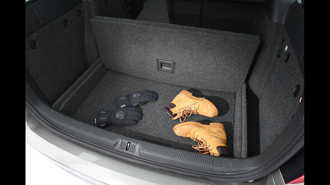 Skoda Octavia Combi 2.0 TDI Elegance Kofferraum
