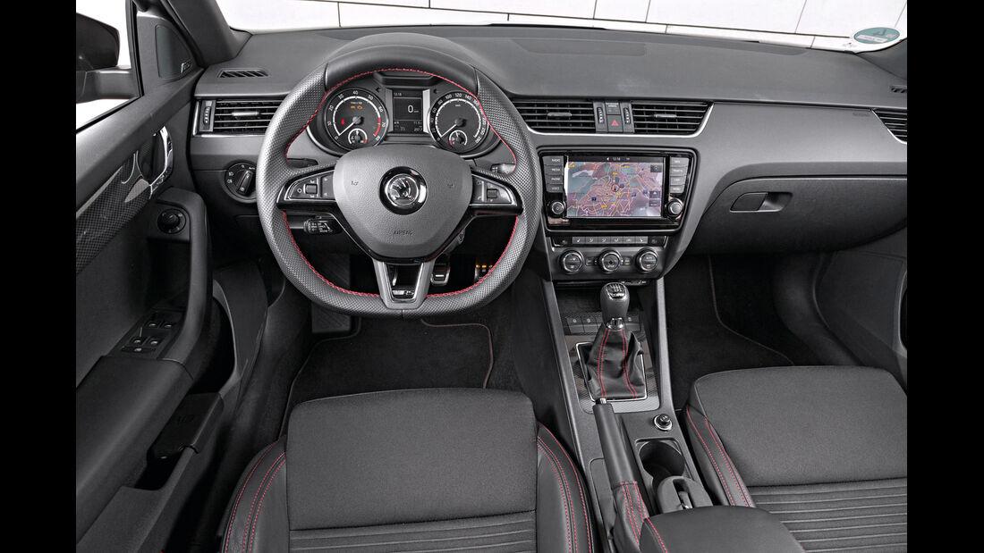 Skoda Octavia Combi RS 2.0 TSI, Cockpit