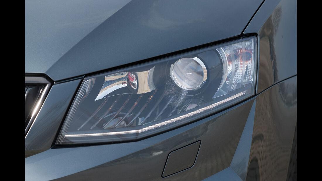 Skoda Octavia Combi RS 2.0 TSI, Frontscheinwerfer