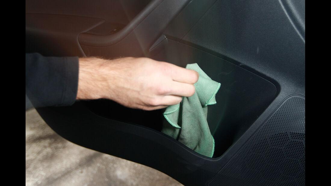 Skoda Rapid 1.2 TSI Green Tec, Handschuhfach