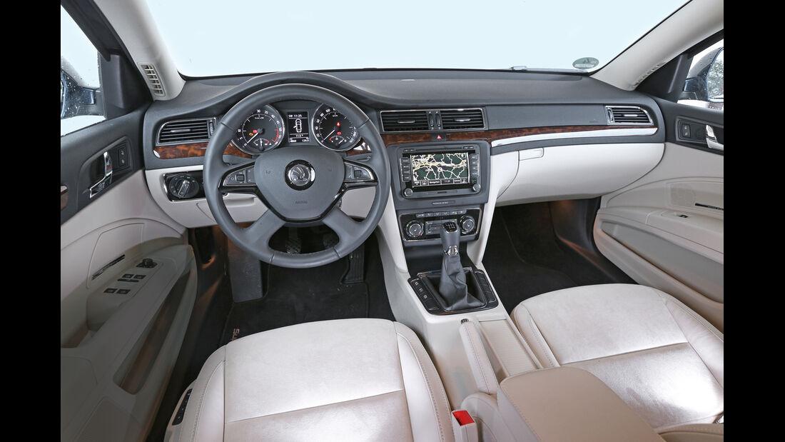 Skoda Superb 2.0 TDI, Cockpit