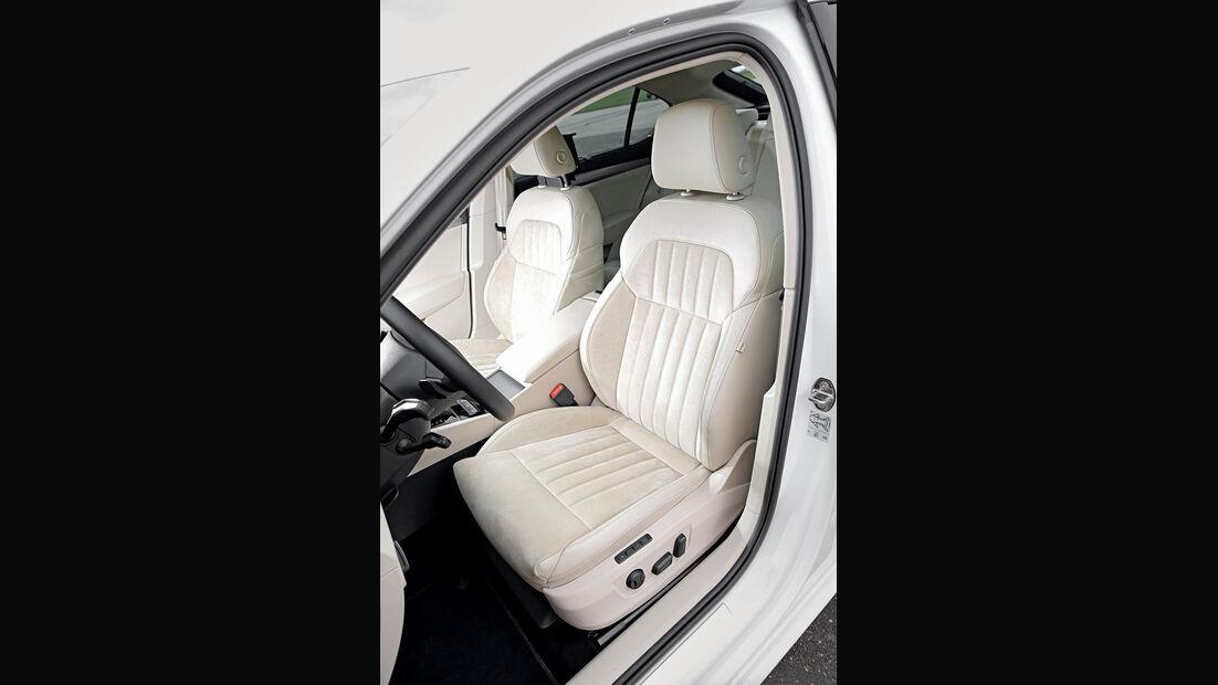 Skoda Superb 2.0 TDI, Fahrersitz