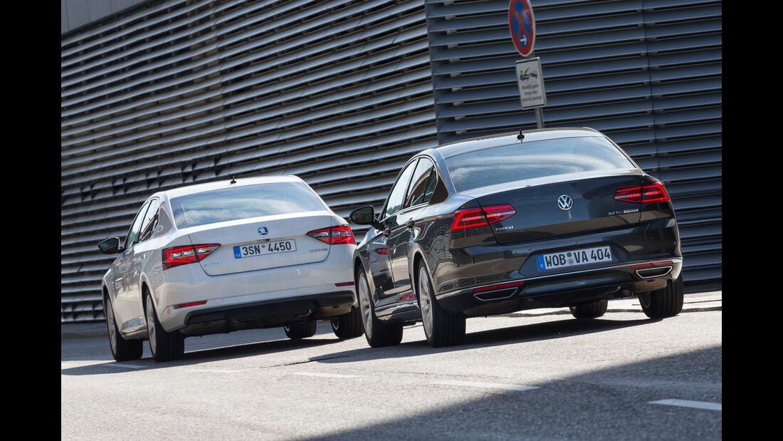 Skoda Superb 2.0 TSI, VW Passat 2.0 TSI, Heckansicht
