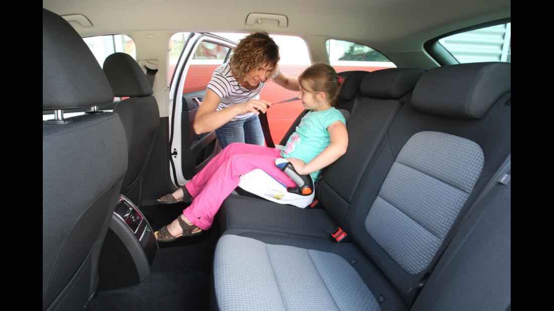 Skoda Superb Combi 1.6 TDI GreenLine, Rücksitz, Kindersitz