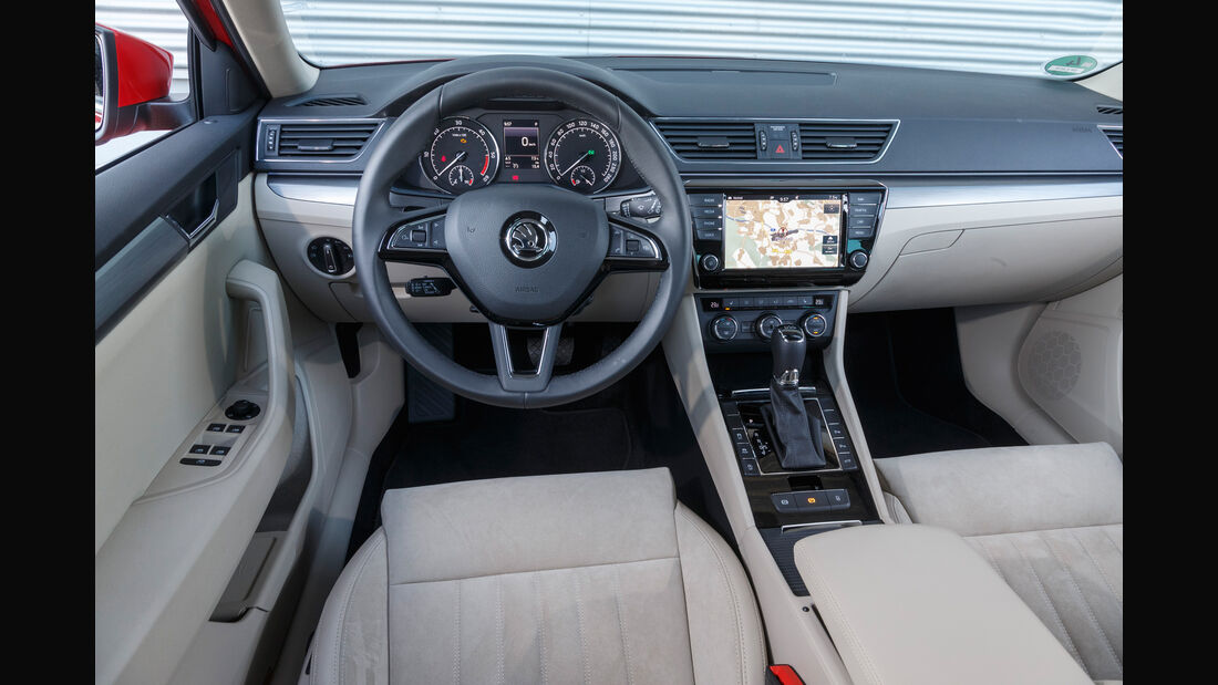 Skoda Superb Combi 2.0 TDI, Cockpit