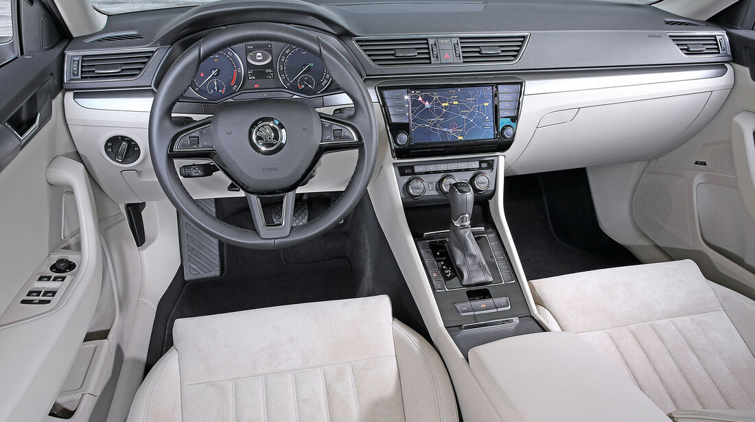 Skoda Superb Combi 2.0 TDI, Cockpit