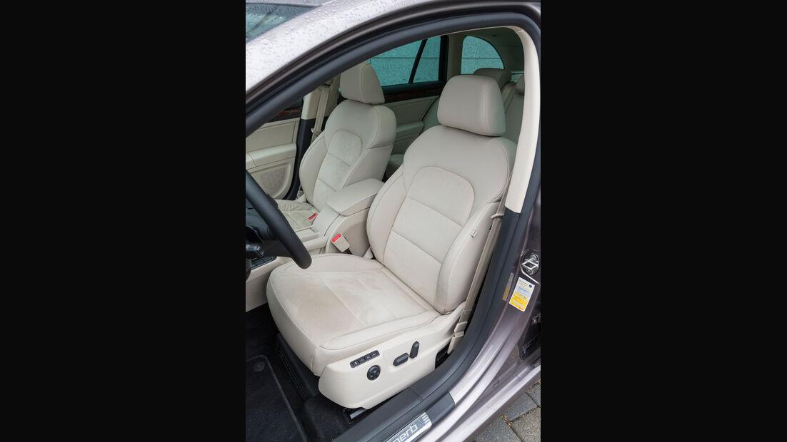 Skoda Superb Combi 2.0 TDI Eleg., Fahrersitz