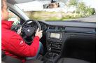 Skoda Superb Combi, Cockpit, Lenkrad