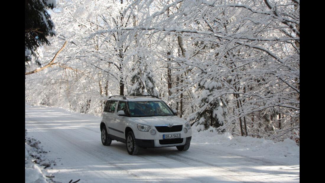 Skoda Yeti 2.0 TDI, Frontansicht, Schnee