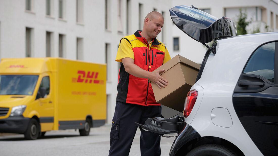 Smart Paketlieferung kofferraum