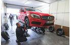 Sommerreifen-Test, Mercedes A 250, Hebebühne