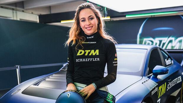 Sophia Flörsch - Schaeffler - DTM - 2021