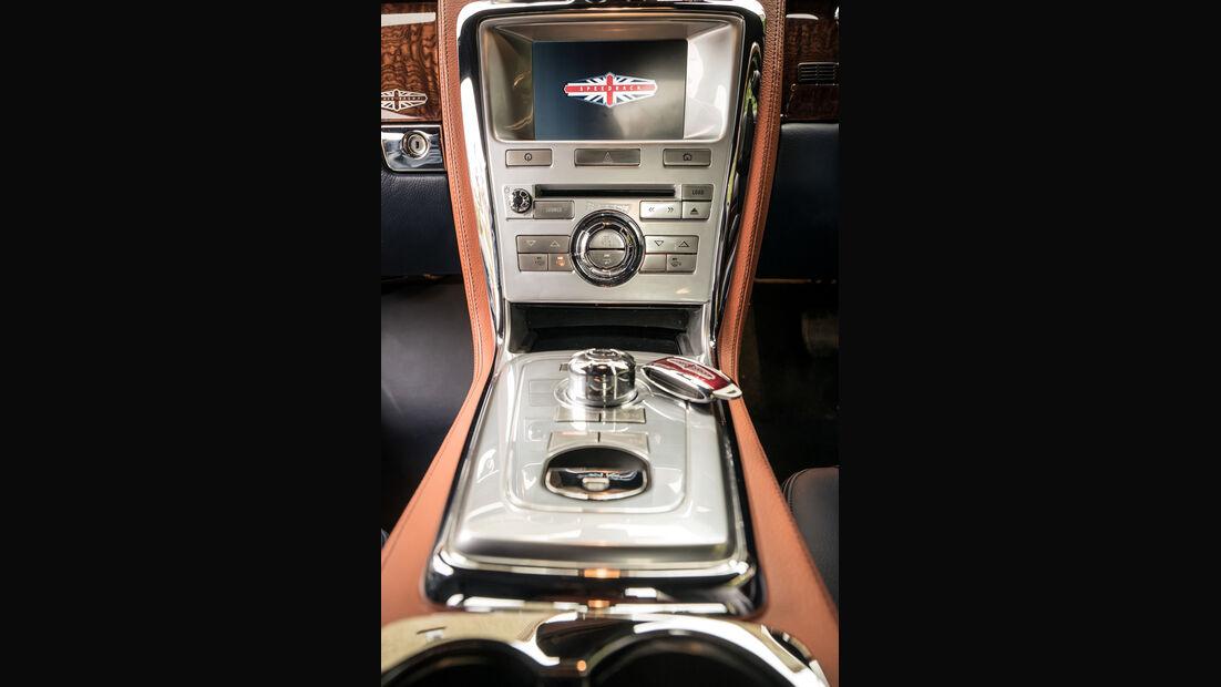 Speedback GT, Mittelkonsole