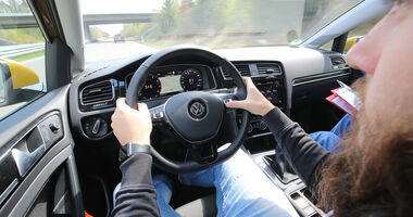 Sprachbedienung Test AMS1317 VW Golf