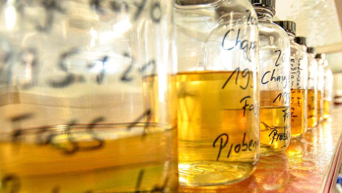 Spurensuche im Motoröl, Meguin Labor
