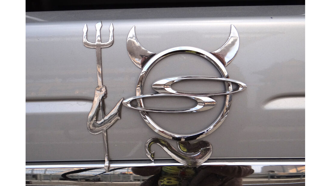 Ssanyong Logo Teufel 2012