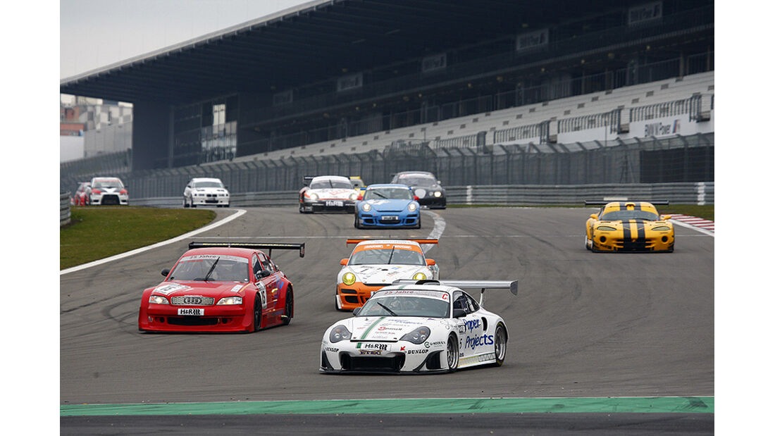 Start Finale Nürburgring; Sven Fisch (roter V8 STAR), Rene Snel (Porsche 996 GT)