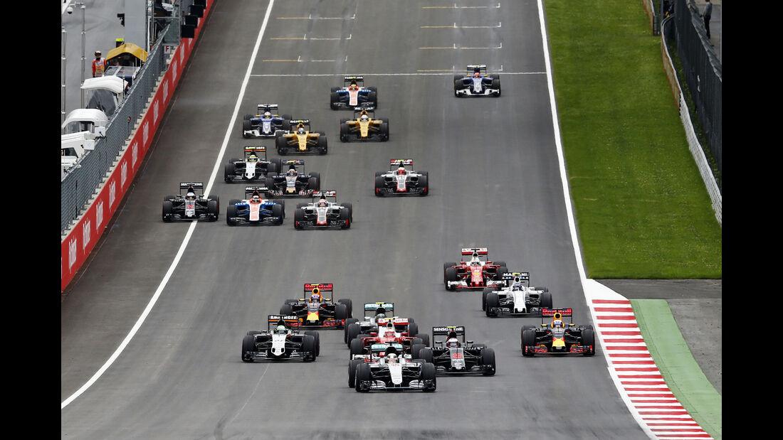 Start - Formel 1 - GP Österreich 2016