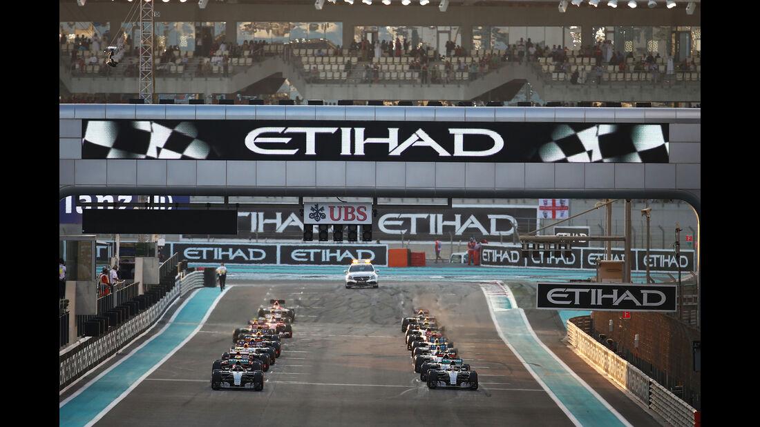 Start - GP Abu Dhabi 2015