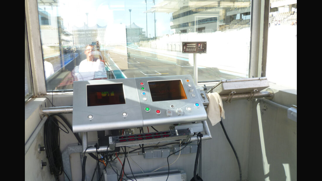 Starterkabine - GP Abu Dhabi - 10. November 2011