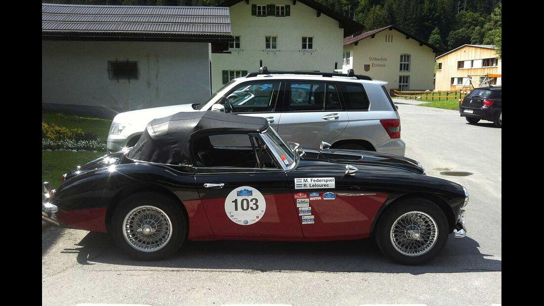 Startnummer 113: Raymond Le Lourec und Michel Federspiel im Austin-Healey 3000 MK III MJ8, 2,9 Liter, 6-Zyl. Reihe, 148 PS, Baujahr 1967.