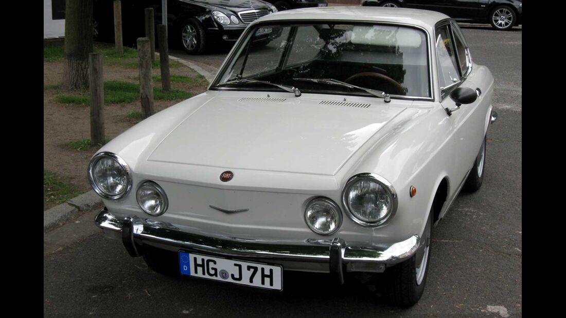 Startnummer 116: Horst Langel und Dr. Gerhard Adler im Fiat 850 Coupé, 0,9 Liter, 4-Zyl. Reihe, 52 PS, Baujahr 1968.