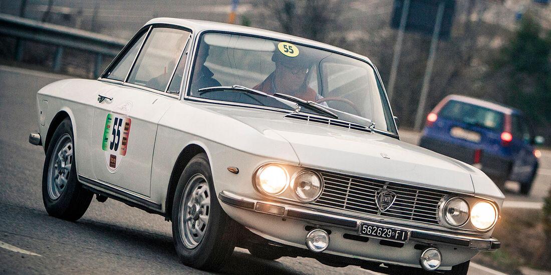 Startnummer 130: Hanno und Magdalena Mayr im Lancia Fulvia, 1,3 Liter, 4-Zyl. Reihe, Baujahr 1971.