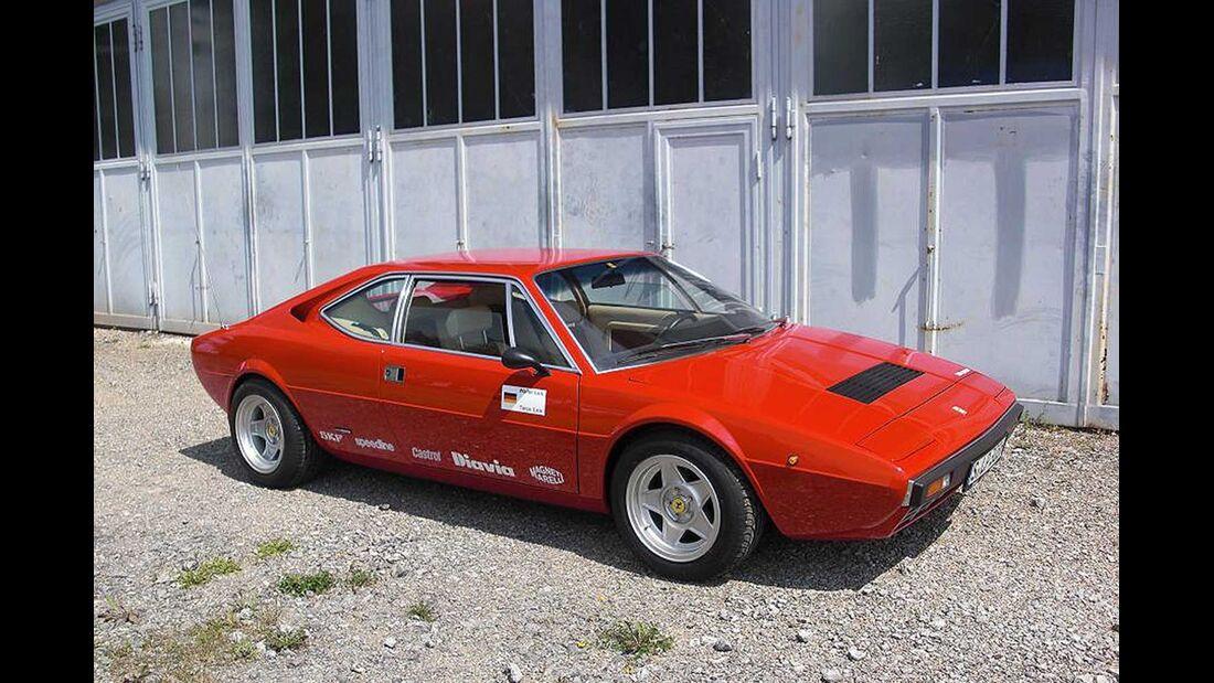 Startnummer 150: Walter und Tanja Lais im Ferrari 308 GT4, 3 Liter, V8, 235 PS, Baujahr 1978.