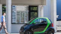 Startnummer 202:Team Daimler im Smart Brabus electric drive, 35 kw, 145 km Reichweite.