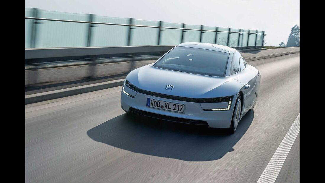 Startnummer 205: Team Volkswagen im Volkswagen XL1, 51 kw, 500 km Reichweite.