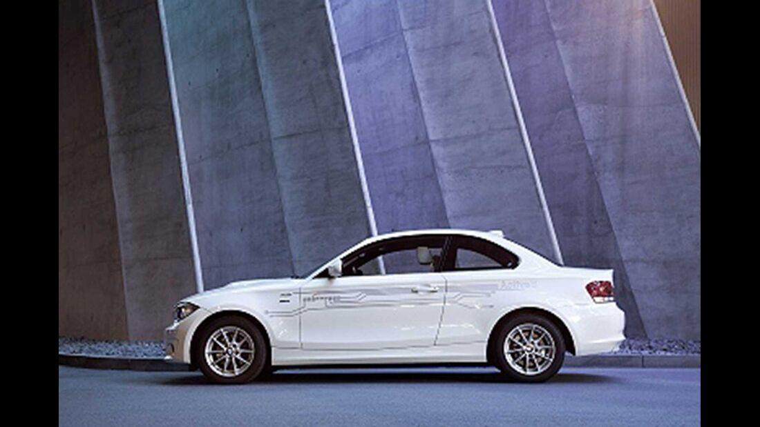 Startnummer 217: Team BMW im BMW Active E, 125 kw, 150 km Reichweite.