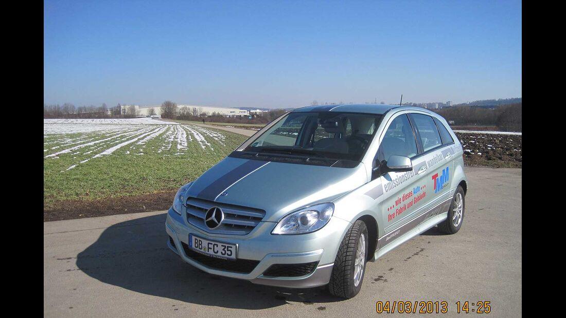 Startnummer 221: Klaus Ege und Klaus Ambacher im Mercedes-Benz B-Klasse F-CELL, 100 kw, 300 km Reichweite.