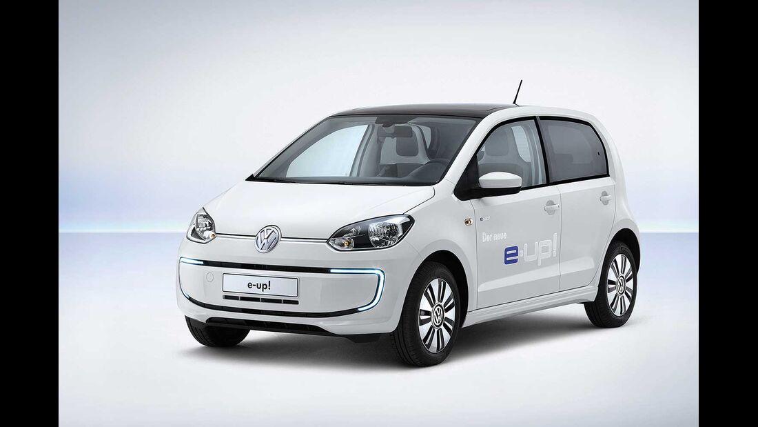 Startnummer 222: Team Volkswagen im Volkswagen e-up, 40 - 60 kw, 160 km Reichweite.