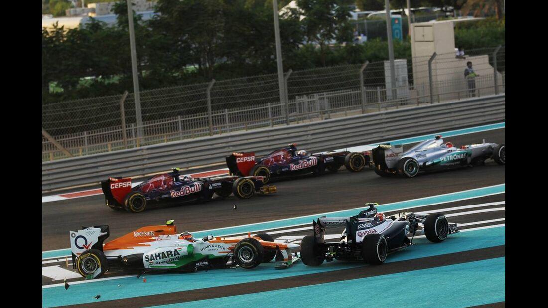 Startunfall  - Formel 1 - GP Abu Dhabi - 04. November 2012