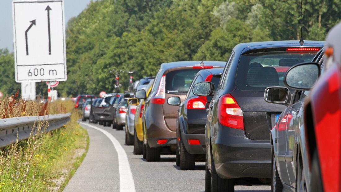Stau Reißverschlussverfahren Autobahn