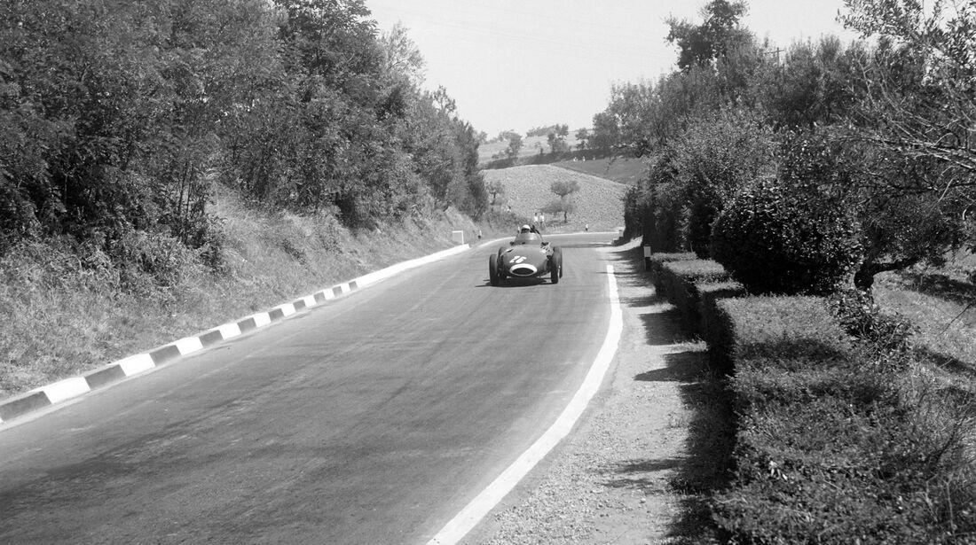 Stirling Moss - Vanwall VW57 - GP Pescara 1957
